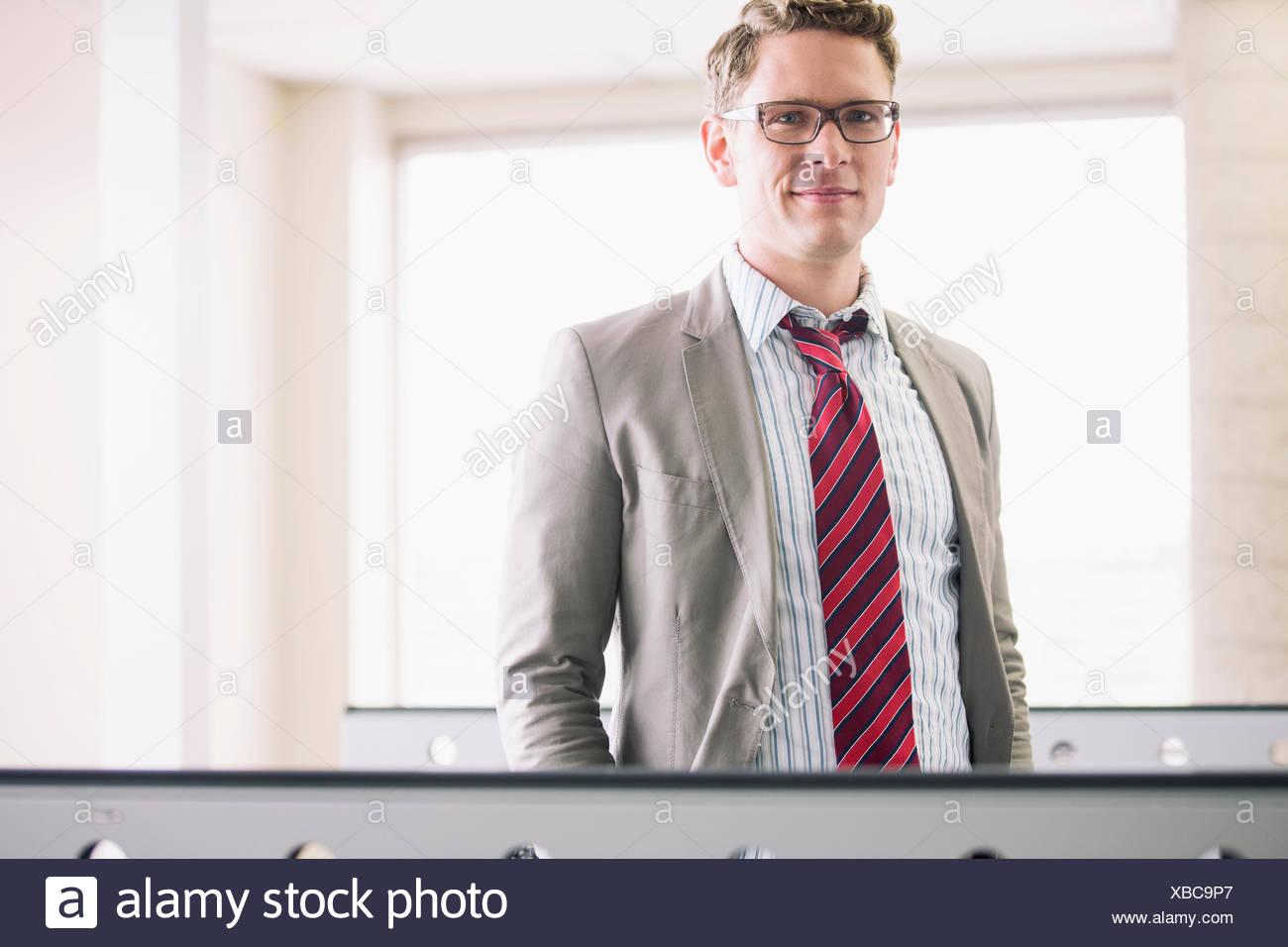 Porträt der schönen mittleren Erwachsenenalter Geschäftsmann Stockbild