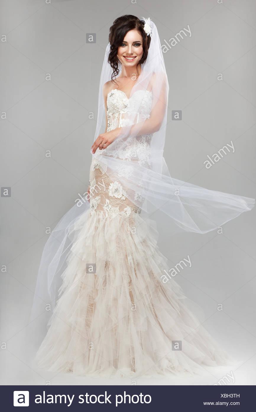 Ungewöhnlich Brautkleid Cheltenham Zeitgenössisch - Brautkleider ...