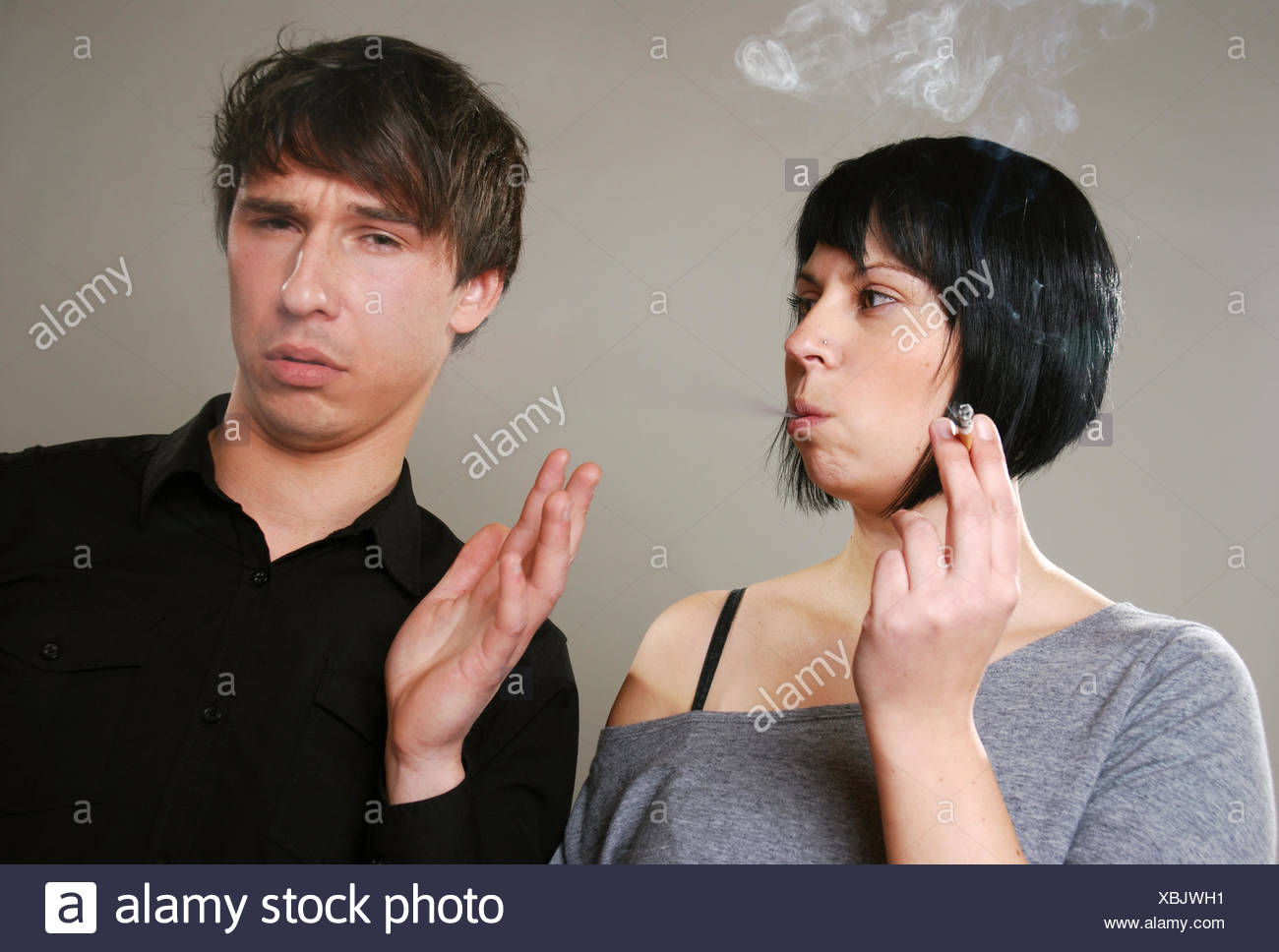 vs. Nichtraucher Rauchen Stockbild