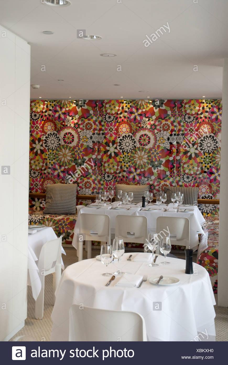 Restaurant Salon Blanc an den Docks in Woolooomooloom. Sydney, New ...