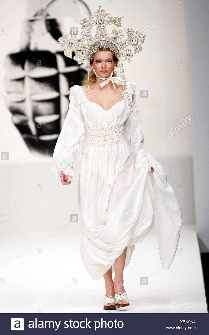 Tolle Kleider Die Sie Zu Einer Hochzeit Tragen Ideen - Brautkleider ...