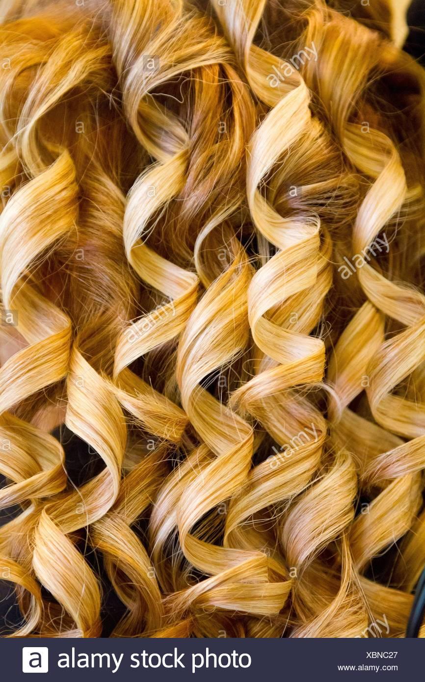 Lockiges Haar Detail Auf Einer Hochzeit Von Einem Friseur Stockfoto