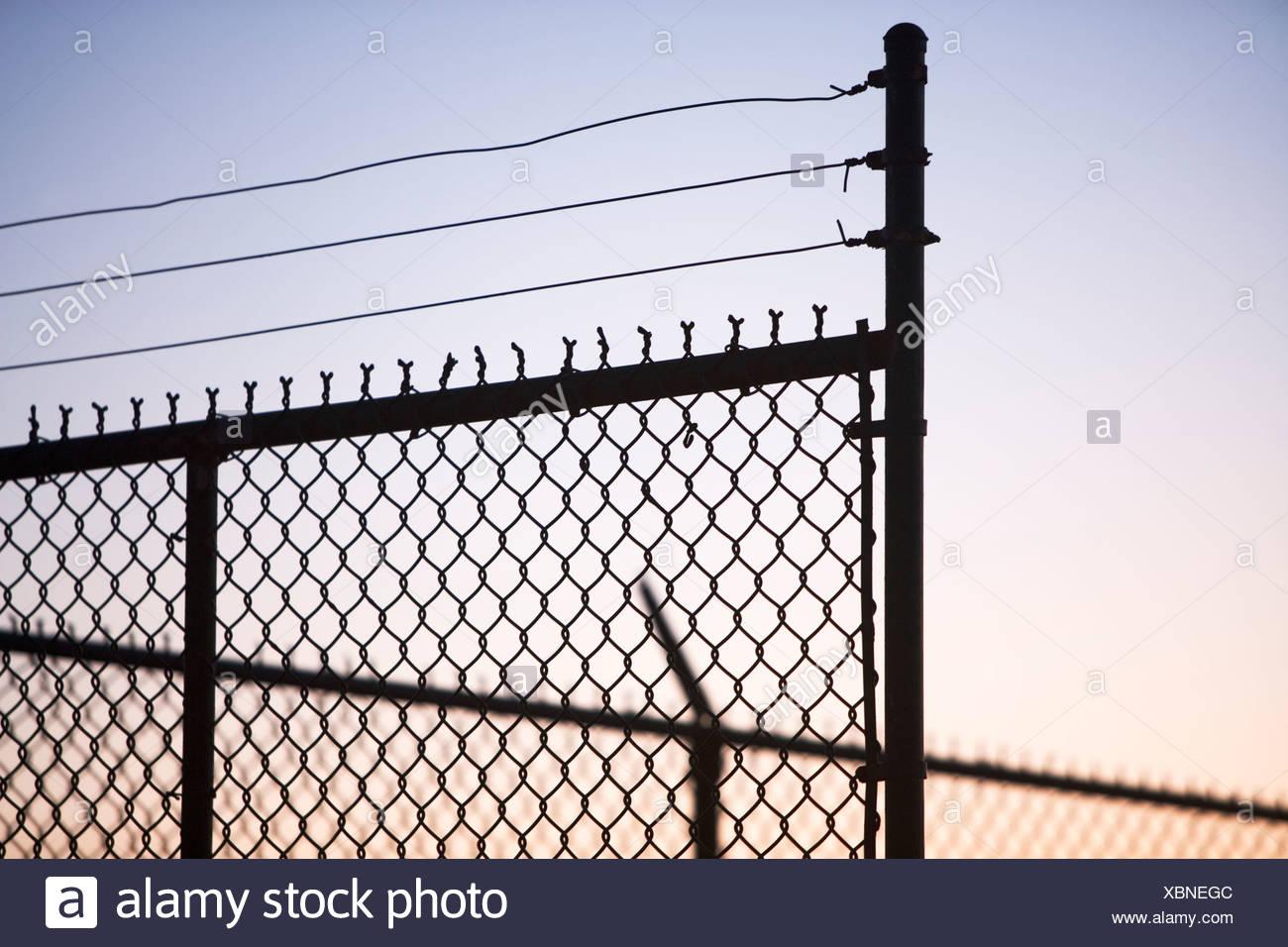 Boundary Chain Link Stockfotos & Boundary Chain Link Bilder - Alamy