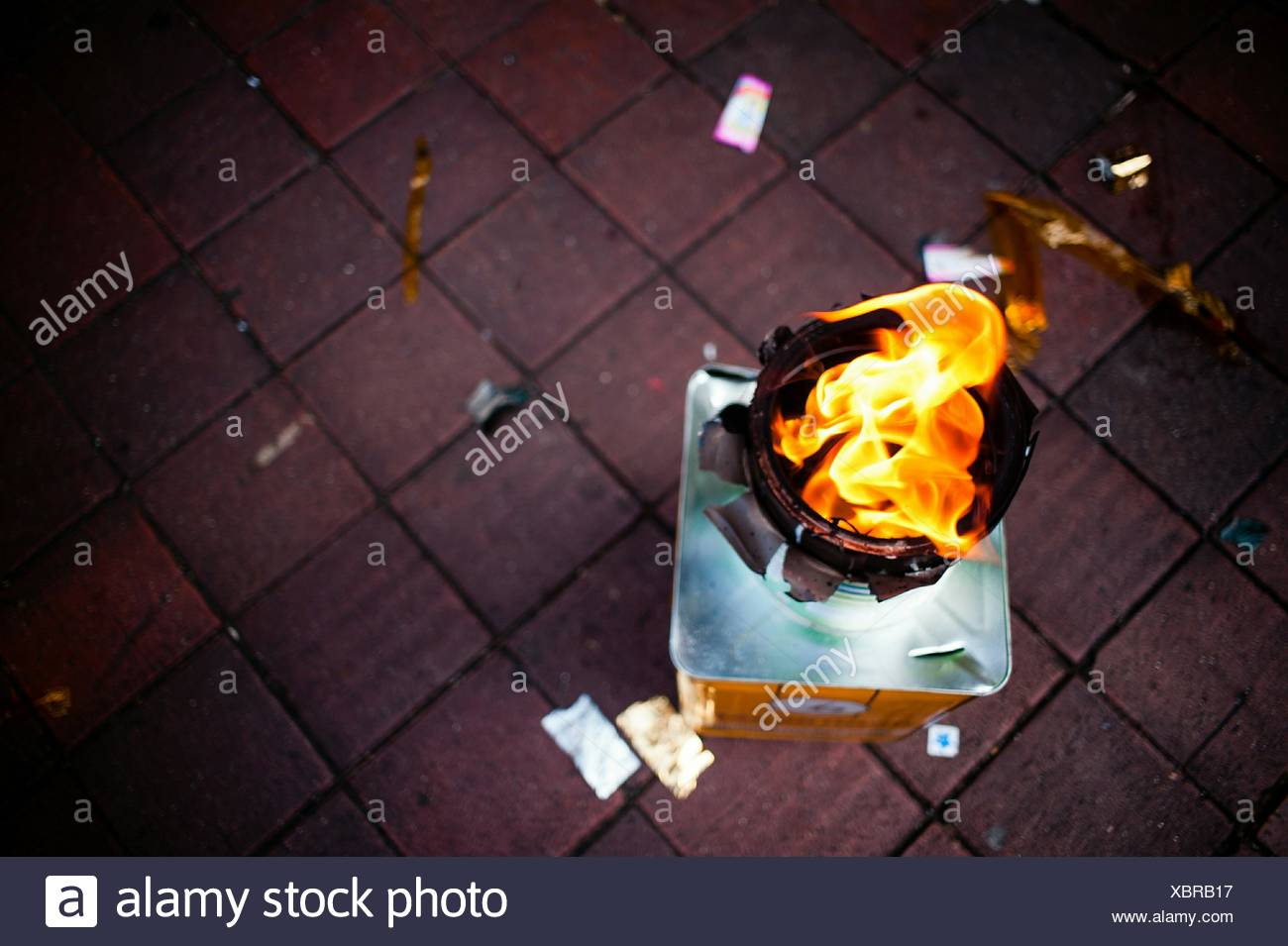 Direkt über dem Schuss von offenem Feuer Stockbild