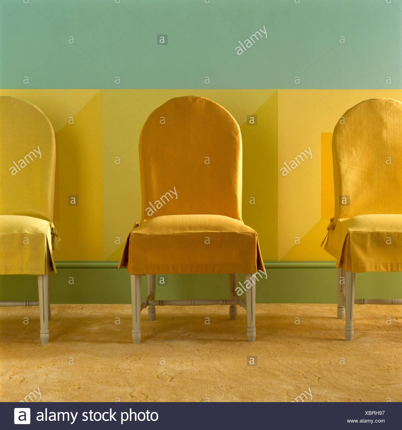 Stühle An Die Wand Hängen dado wall stockfotos dado wall bilder alamy