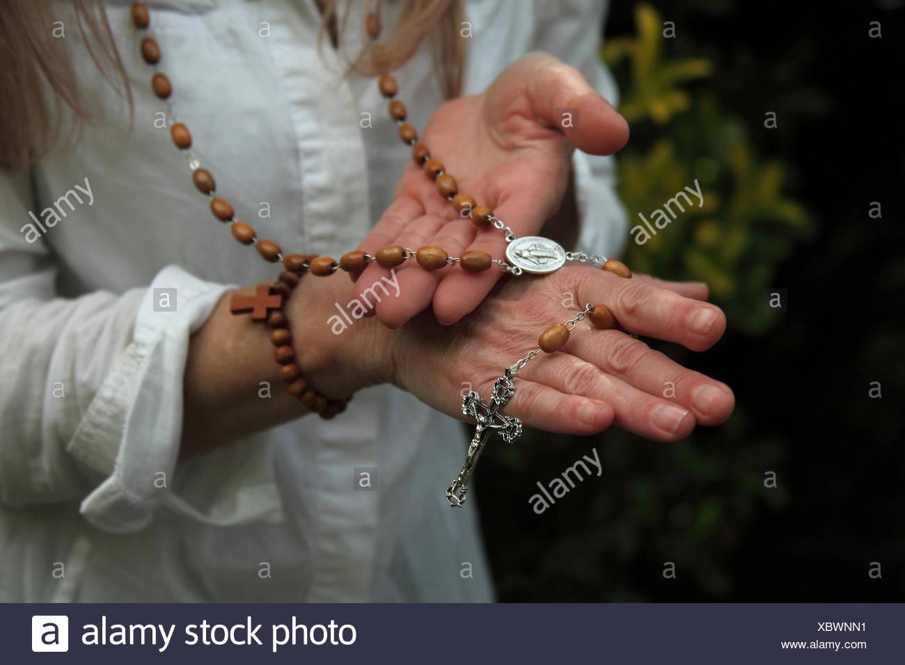 Kreuz, Zugehörigkeit zu einer magnetischen Heiler Stockbild