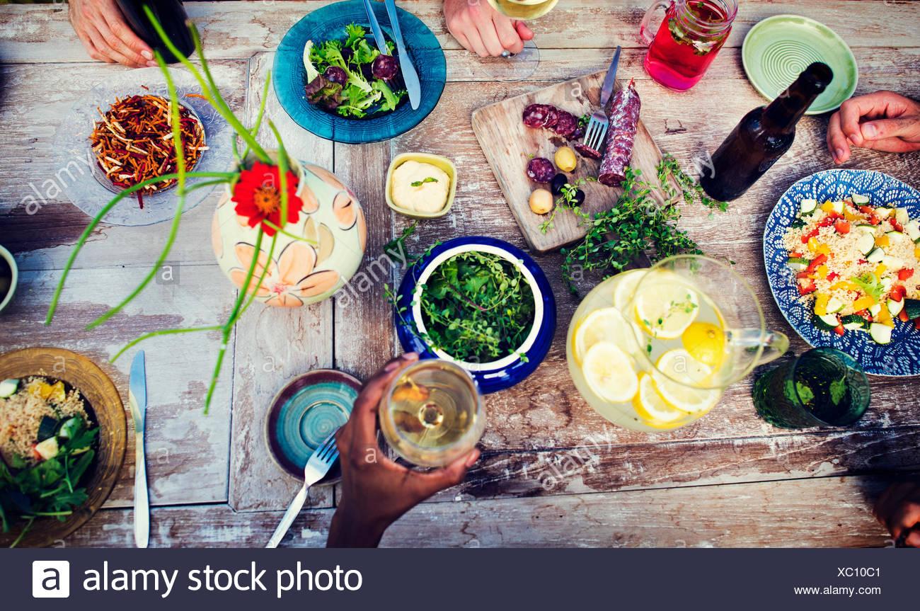 Essen Party Essen trinken Getränkekonzept Stockbild