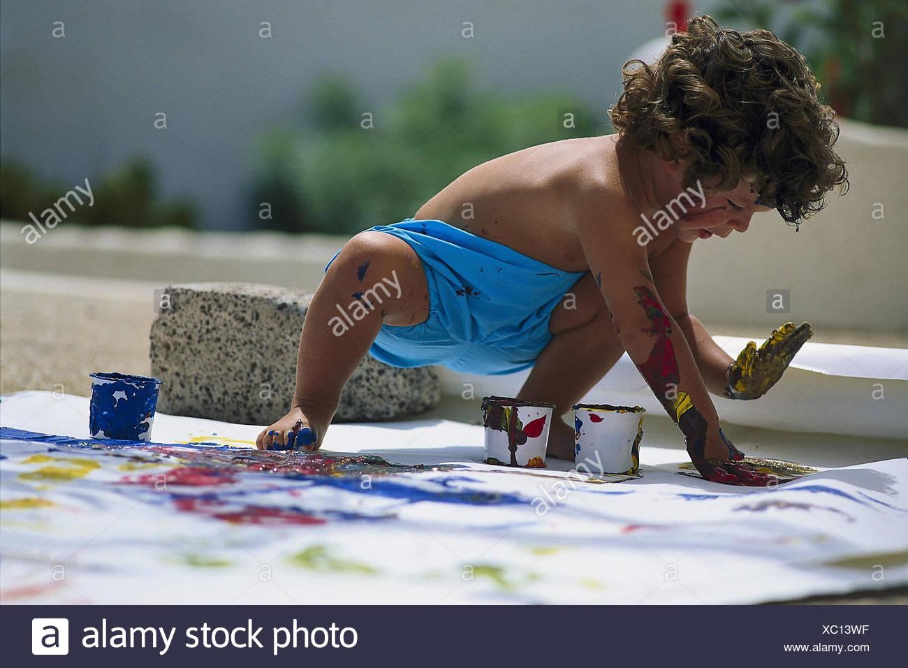 Terrasse, Kind, den Oberkörper frei, Fußboden, Farbe Töpfe, hell ...