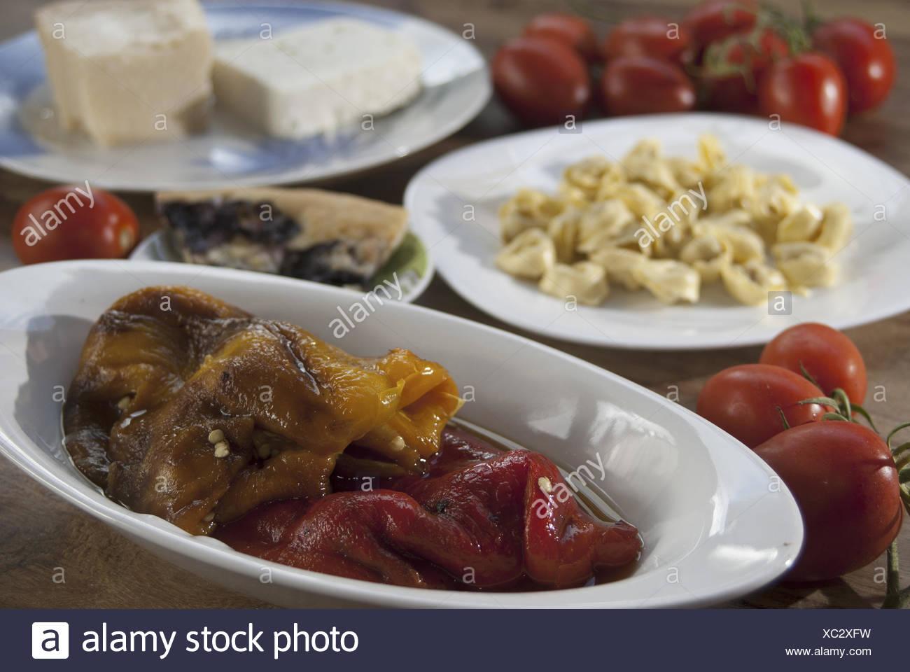 Italienische Küche und Rezepte: Pizza, Tortellini, Paprika und ...