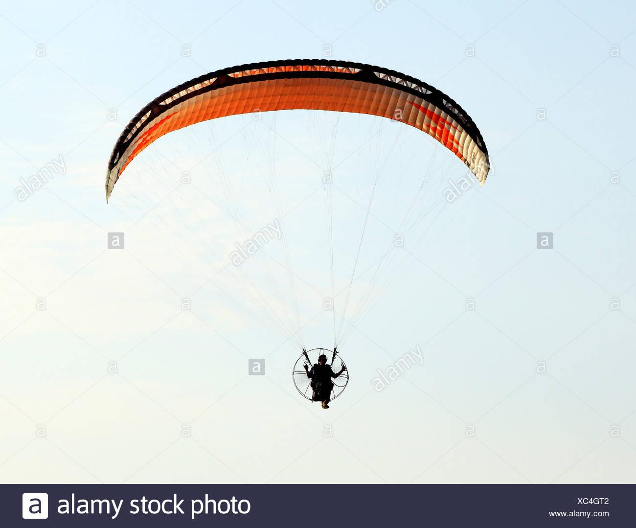 Hängegleiter Mann Drachenfliegen fliegen Freizeit Aktivität UK Gleitschirmen Stockbild