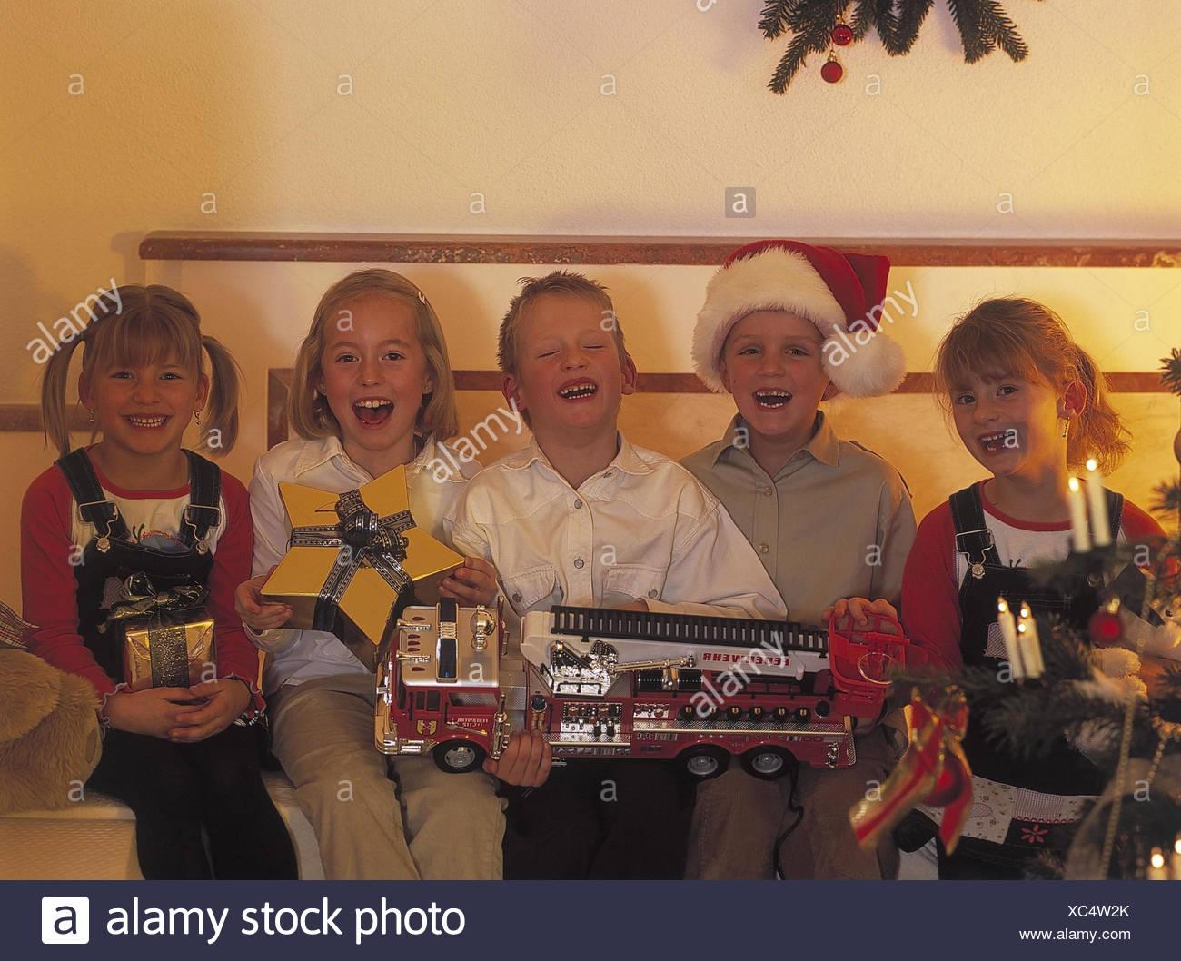 Weihnachten, Kinder, sitzt, Weihnachtsgeschenke, glücklich ...