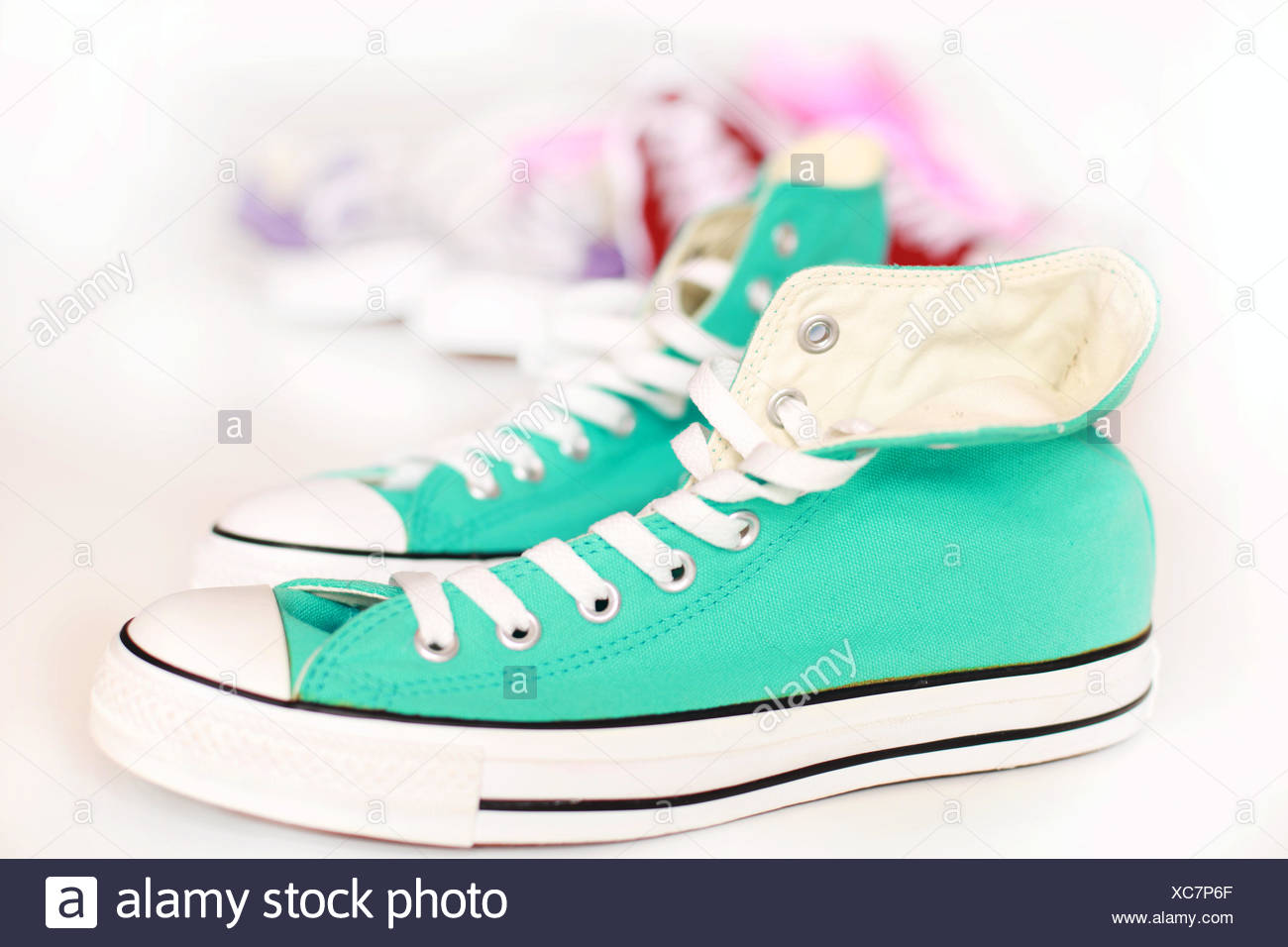 Blau Modern Moderne Neue Schuhe Sportlich Sportlich Drahtig