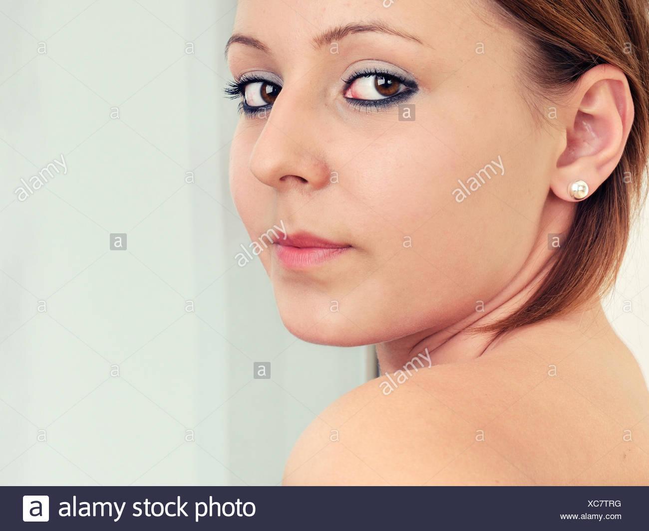 Frau Frisur Junge Frau Make Up Make Up Schminke Look