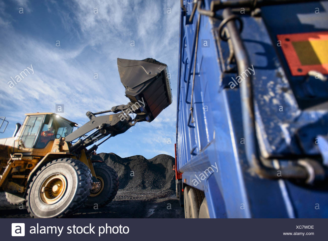 coal mining excavator stockfotos coal mining excavator bilder alamy. Black Bedroom Furniture Sets. Home Design Ideas