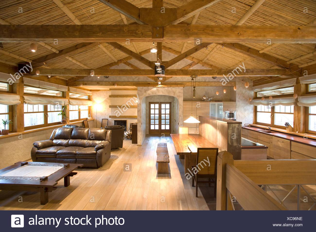 moderne Küche und Wohnzimmer in Sicht Stockfoto, Bild: 282944634 - Alamy