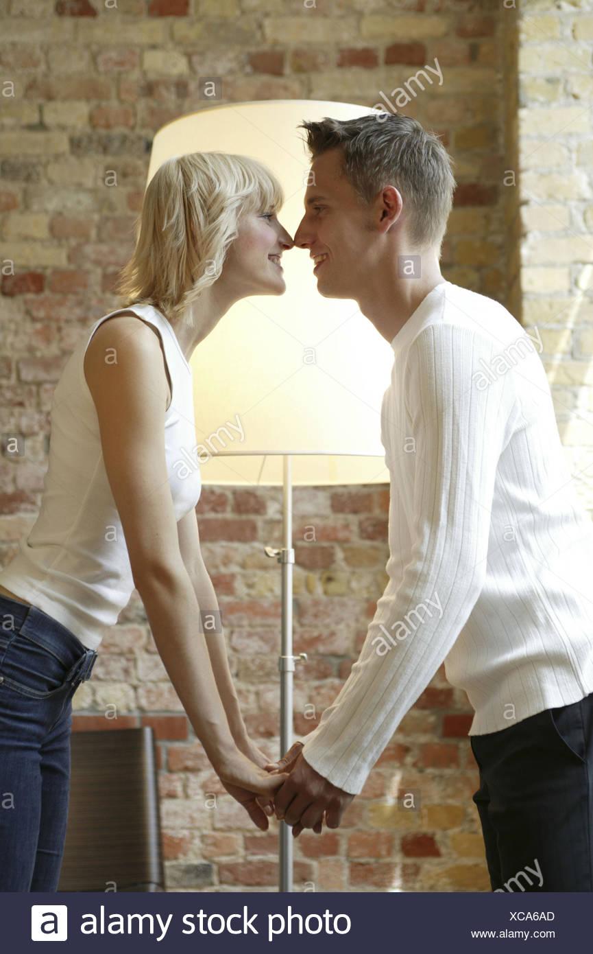 frauenfüße küssen eskimo piercing heilung