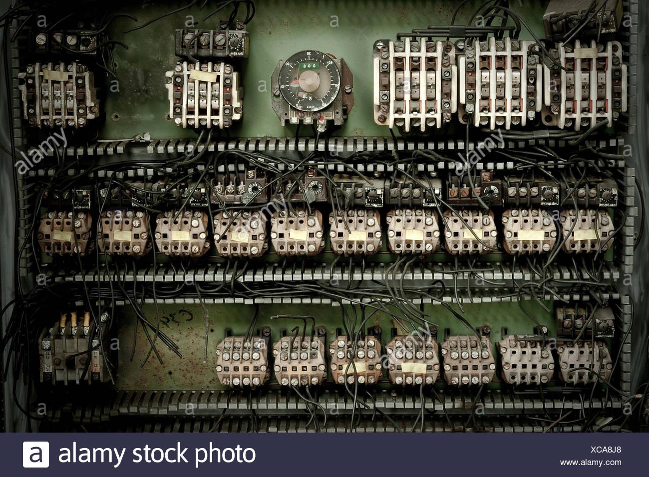 Tolle Elektrische Drahtwagen Ideen - Schaltplan Serie Circuit ...