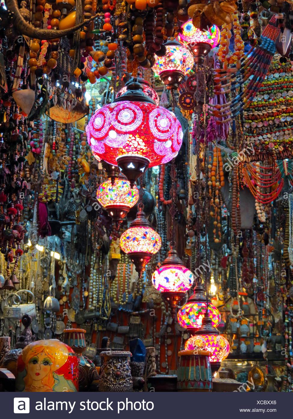Bunt Leuchtende Lampen Auf Einem Basar Im Oman Stockfoto Bild