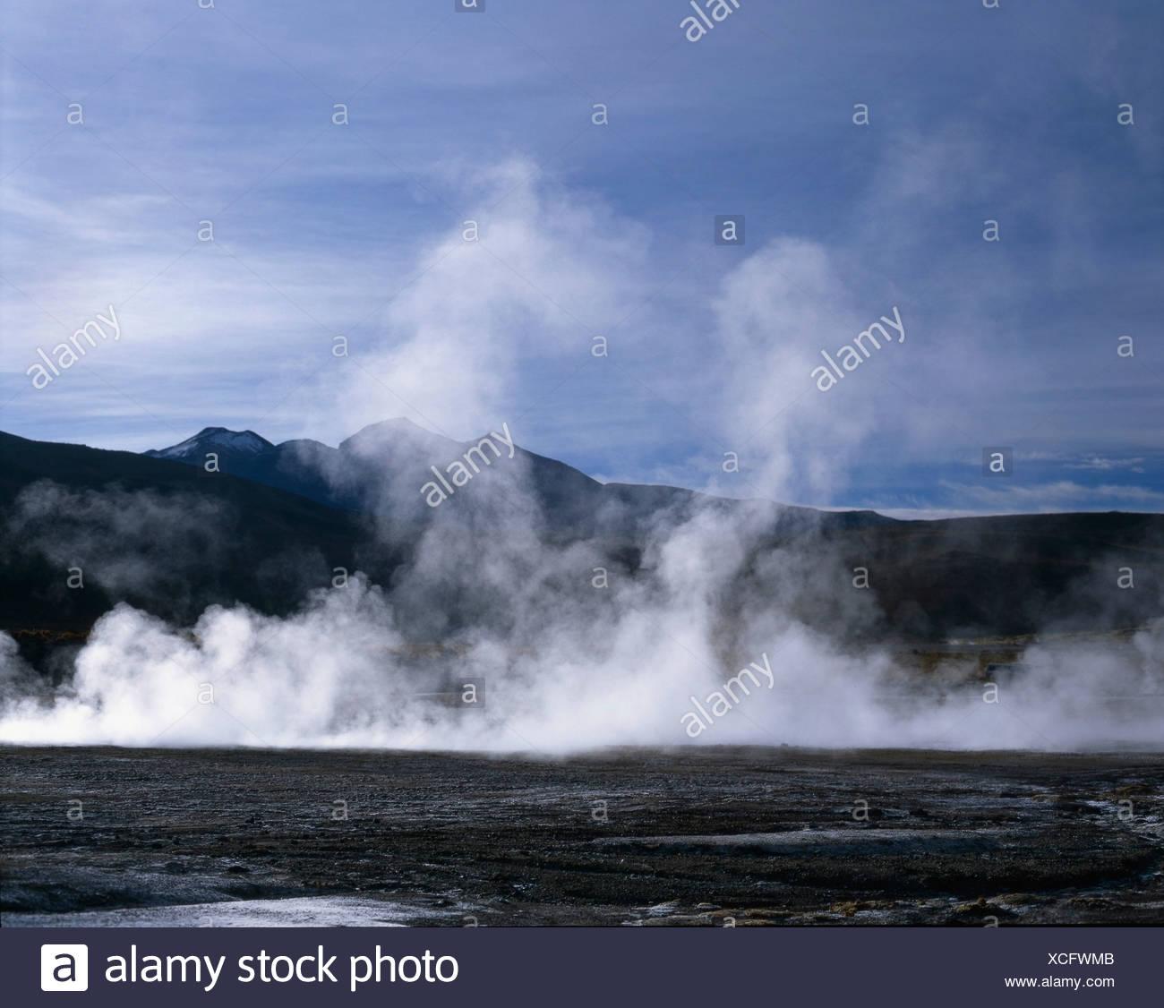 Dampf bei El Tatio Geysire Stockbild