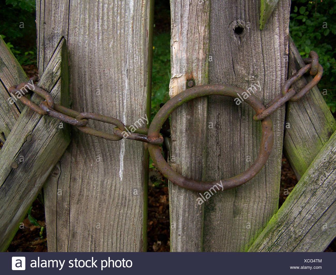 Holz Kette Eisen Verrostet Marode Zaun Metall Rost Schutzen Schutz