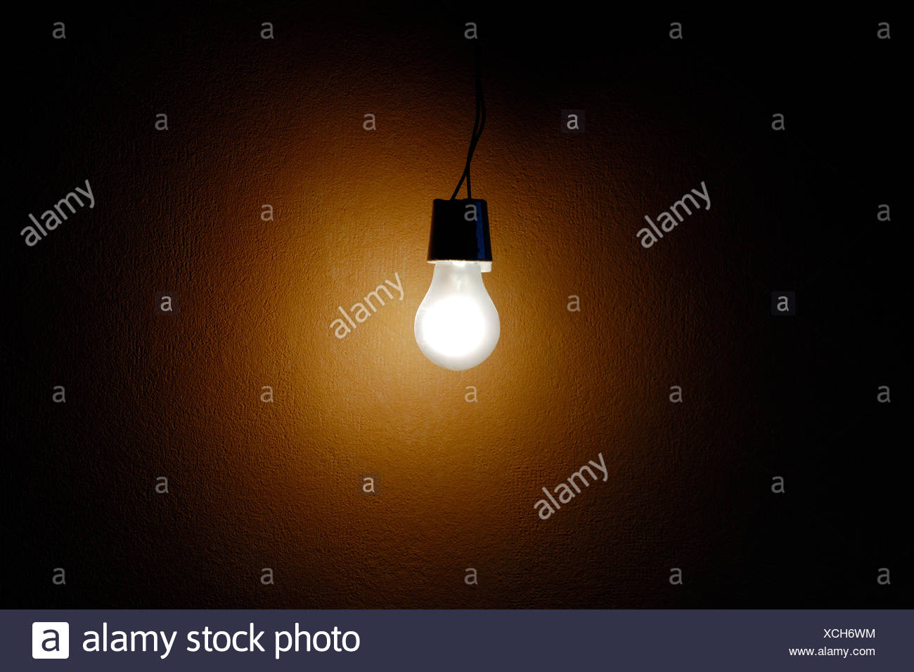 leuchtende Glühbirne Stockbild