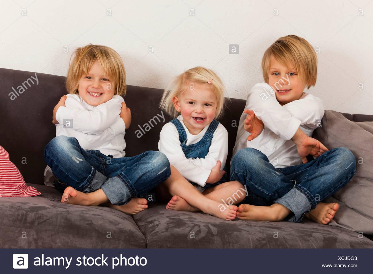 Mädchen aus 2 Jungs auf einmal