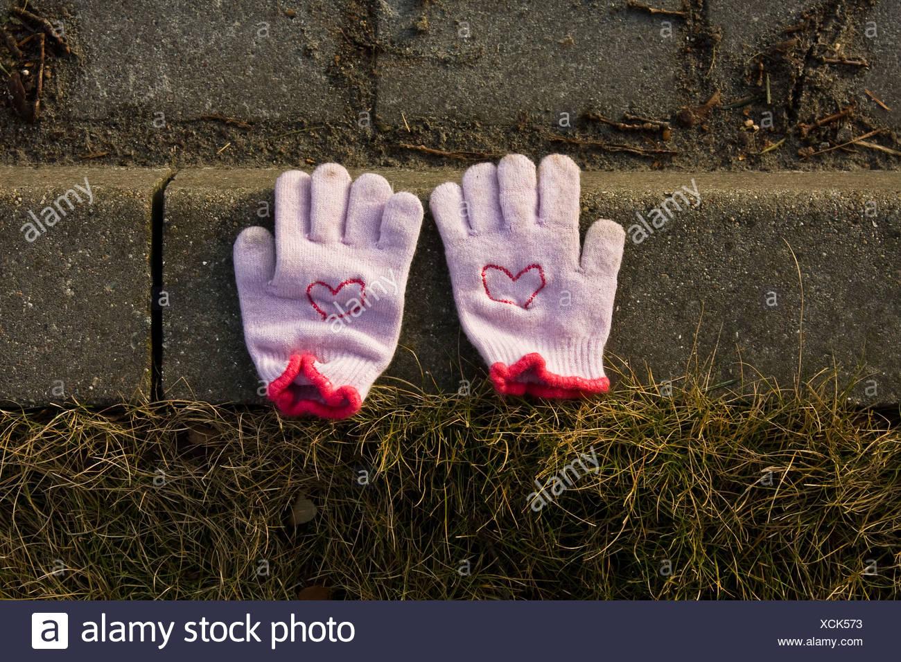 Handschuh, Fundsachen Stockfoto