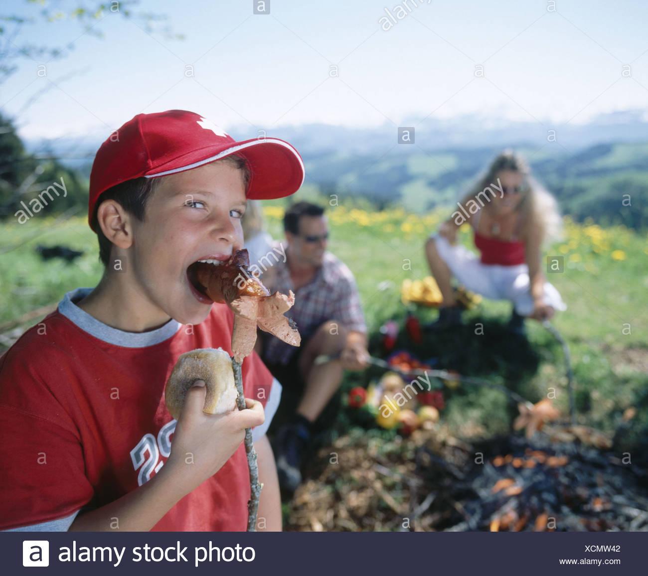 Kamin Essen ausflug cervelat emmental essen essen familie feuer kamin essen