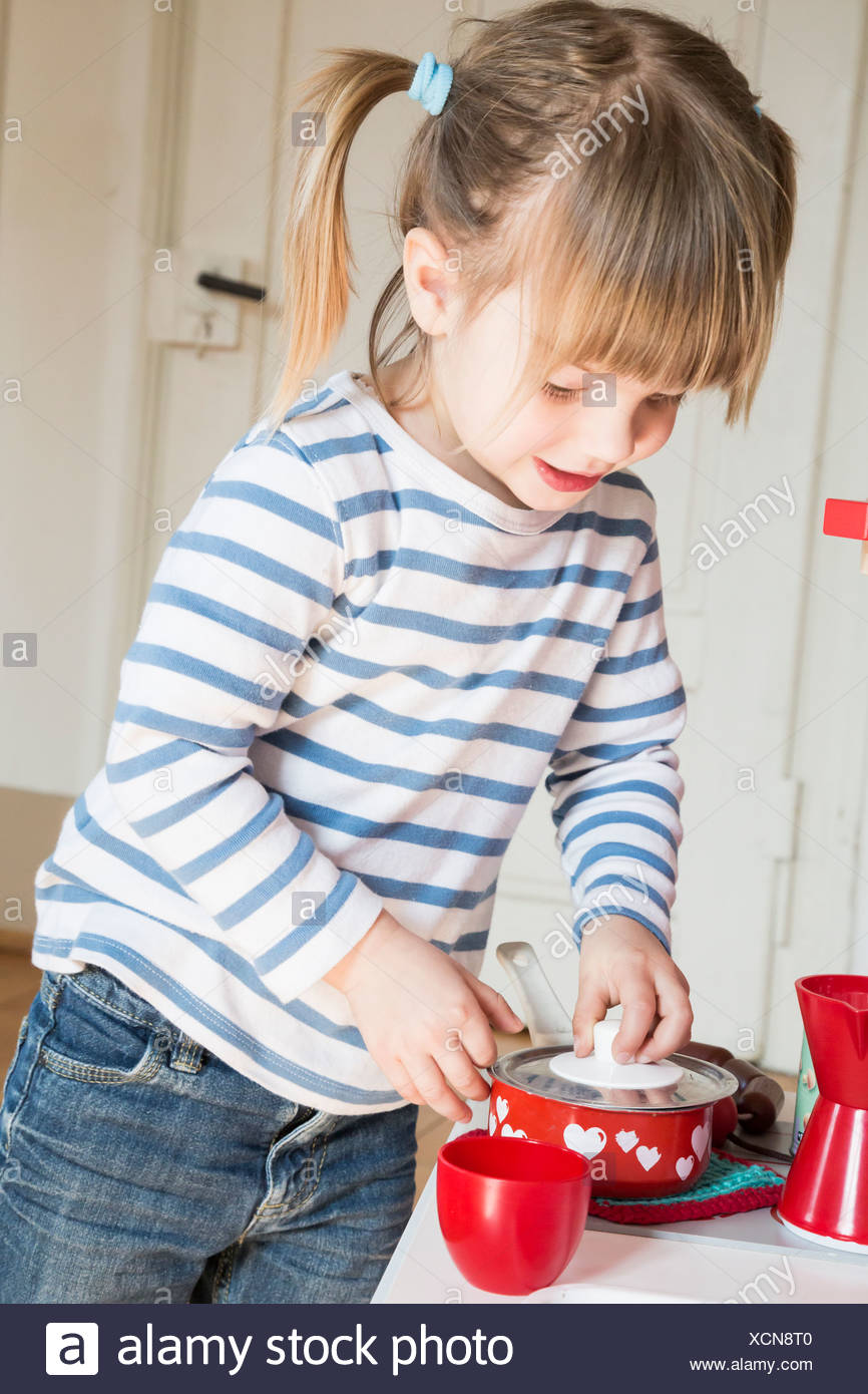 Wunderbar Mädchen Spielen Küche Ideen - Küchenschrank Ideen ...