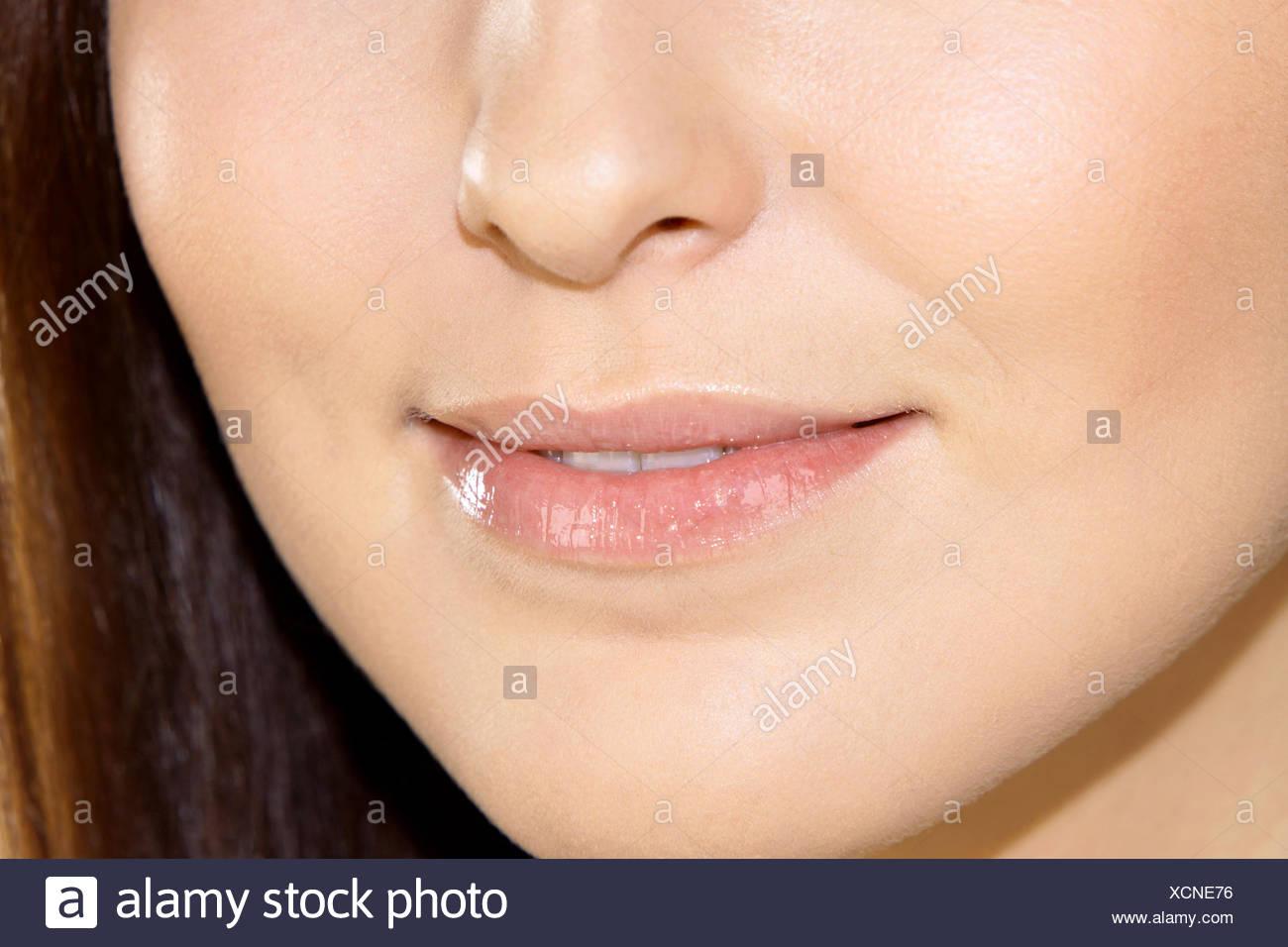 Frau, Jung, Detail, Munder, Nahaufnahme, Innen, Lippen, angetreten, Schoenheit, Schönheit, Natuerlich, Natuerlichkeit, Ausstrahlung Zufr Stockbild