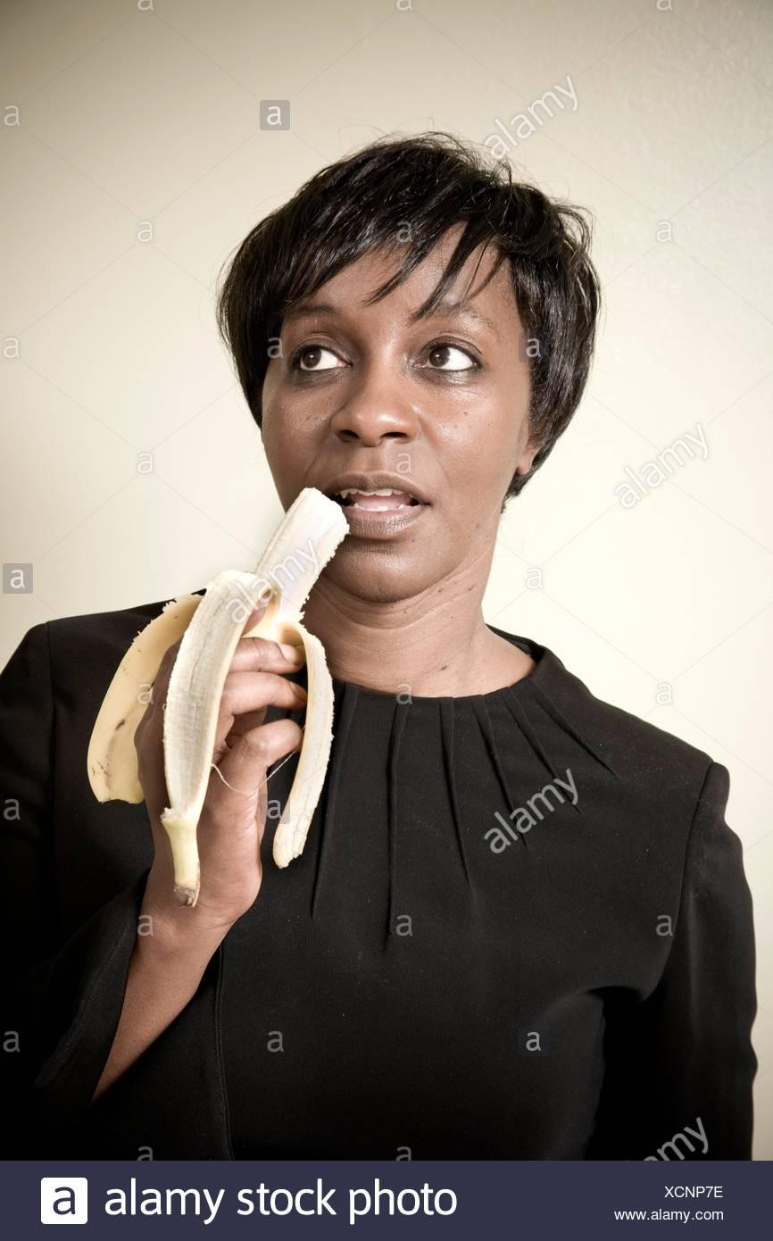 Schwarze Frauen essen schwarze Frauen