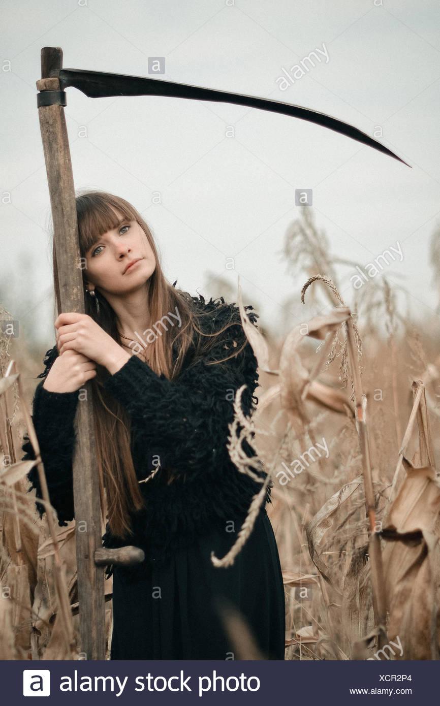 Langen Mit Schöne Geheimnisvolle Haaren In Mädchen Mystische DHIE29