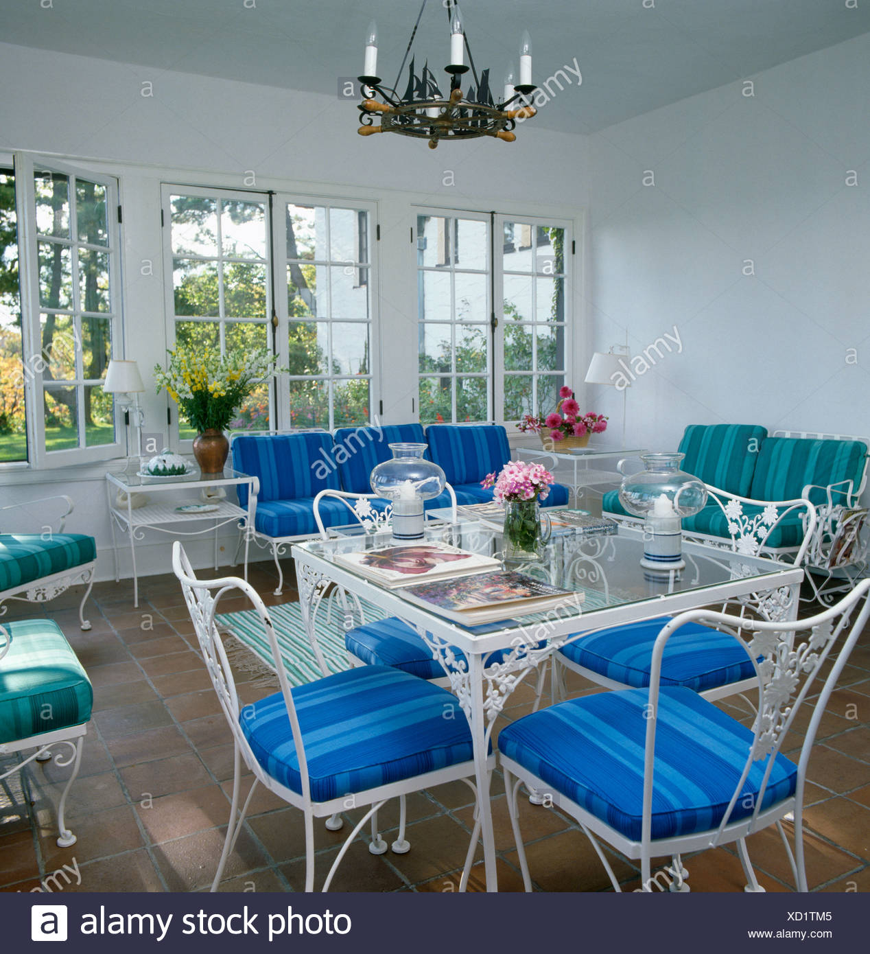Interiors Diningroom Chair Table Stockfotos & Interiors Diningroom ...
