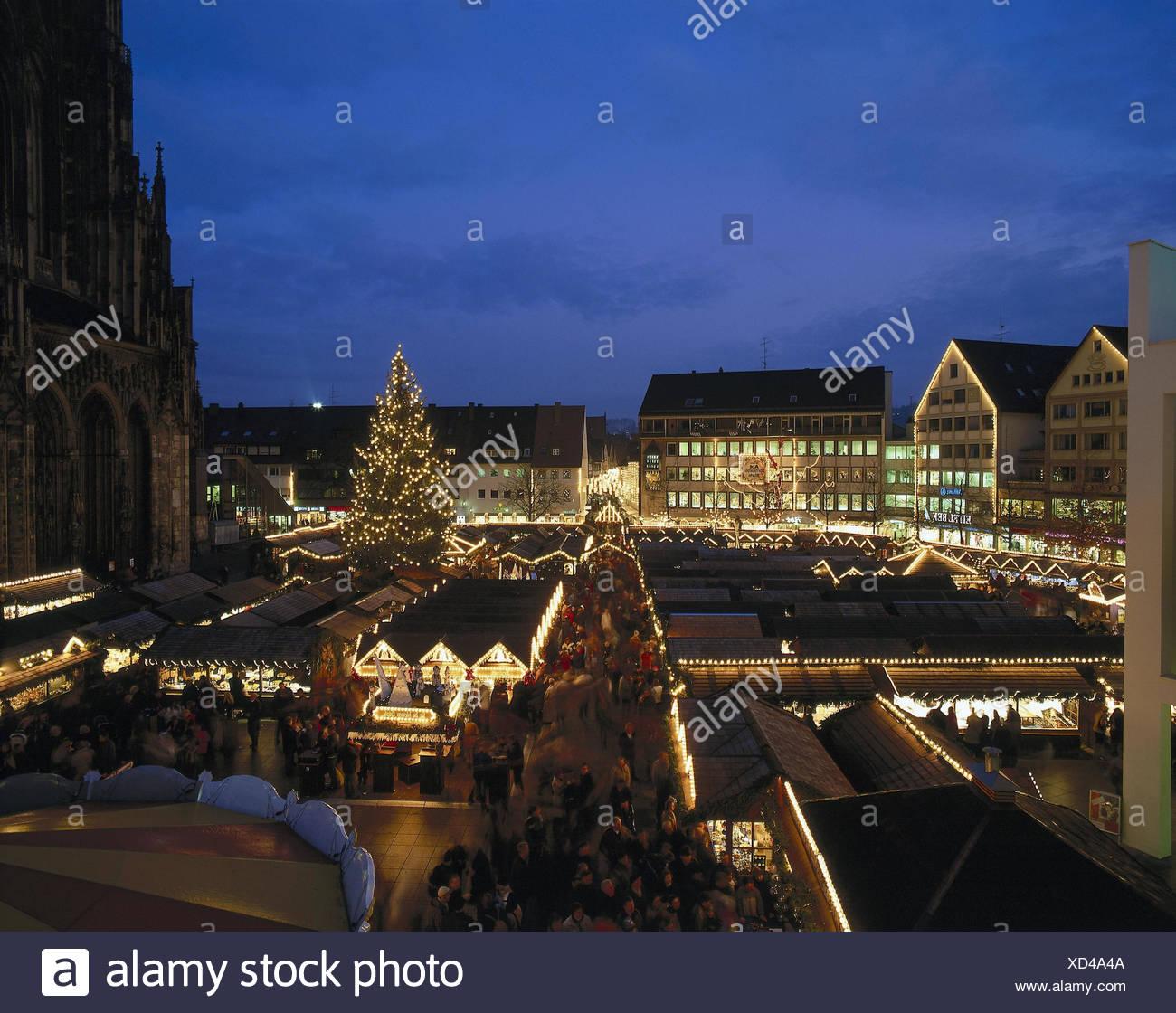 Weihnachtsmarkt übersicht.Deutschland Baden Württemberg Ulm Domplatze Weihnachtsmarkt