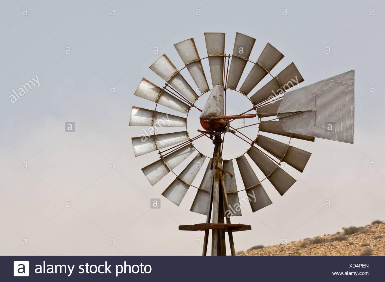Wind-Generator in der Nähe von La Olivia, Fuerteventura, Kanarische Inseln, Spanien Stockbild