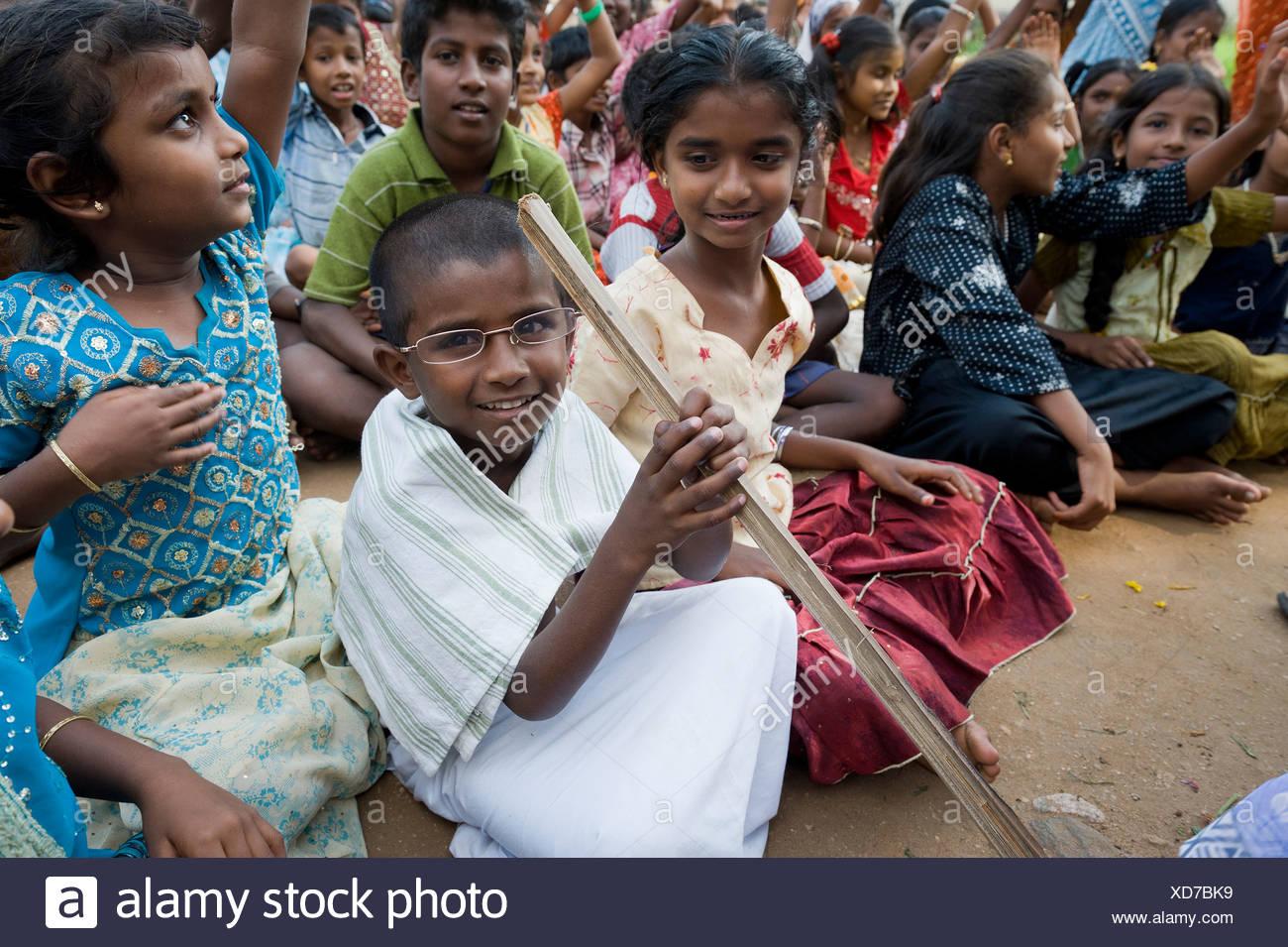 Junge Gekleidet Wie Mahatma Gandhi Während Einer