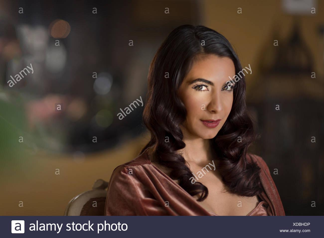 Porträt der Frau in den 1950er Jahren Stil Frisur Stockbild