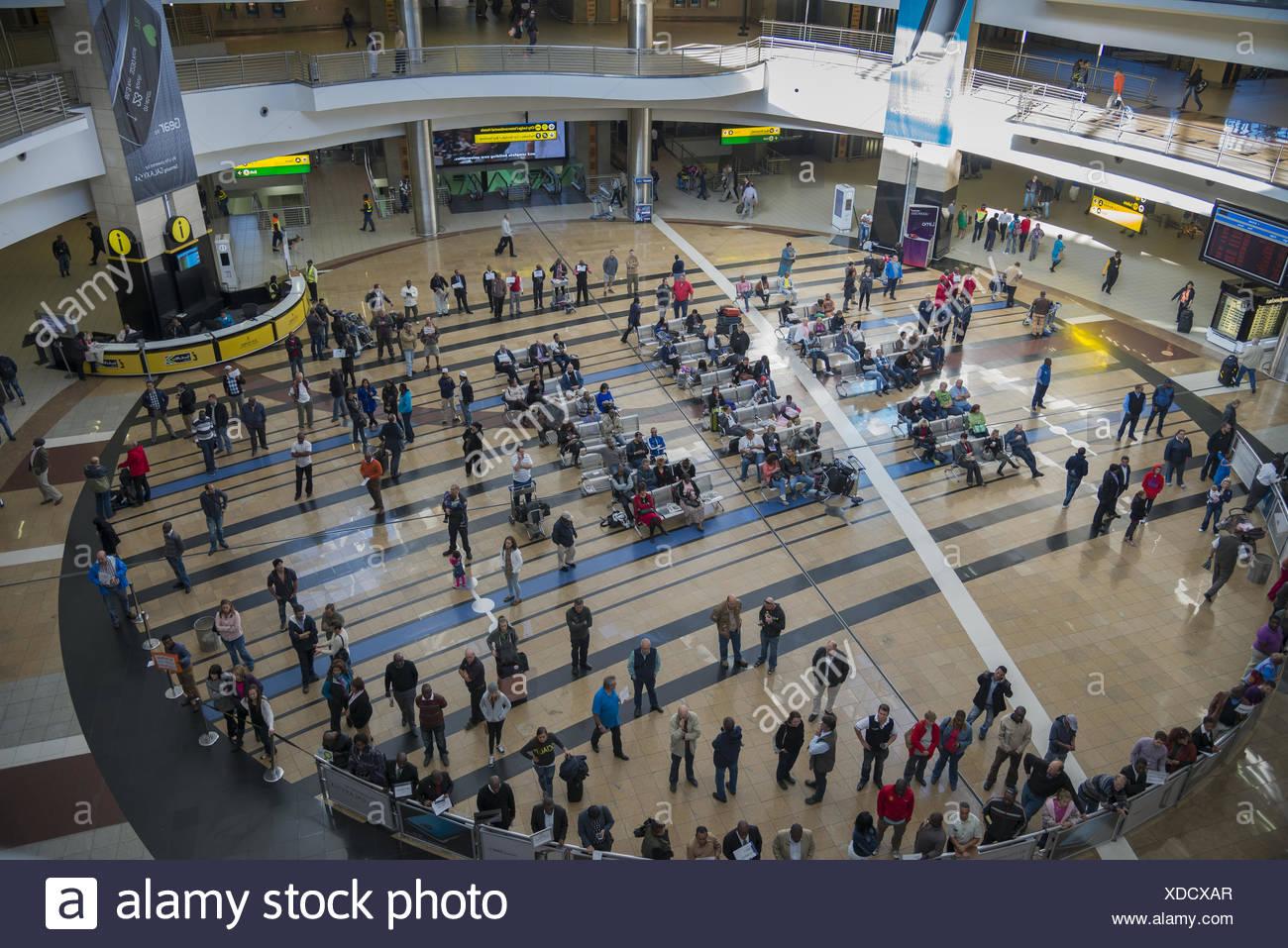 Ankunftshalle des Flughafens, O R. Tambo Internagional Stockbild