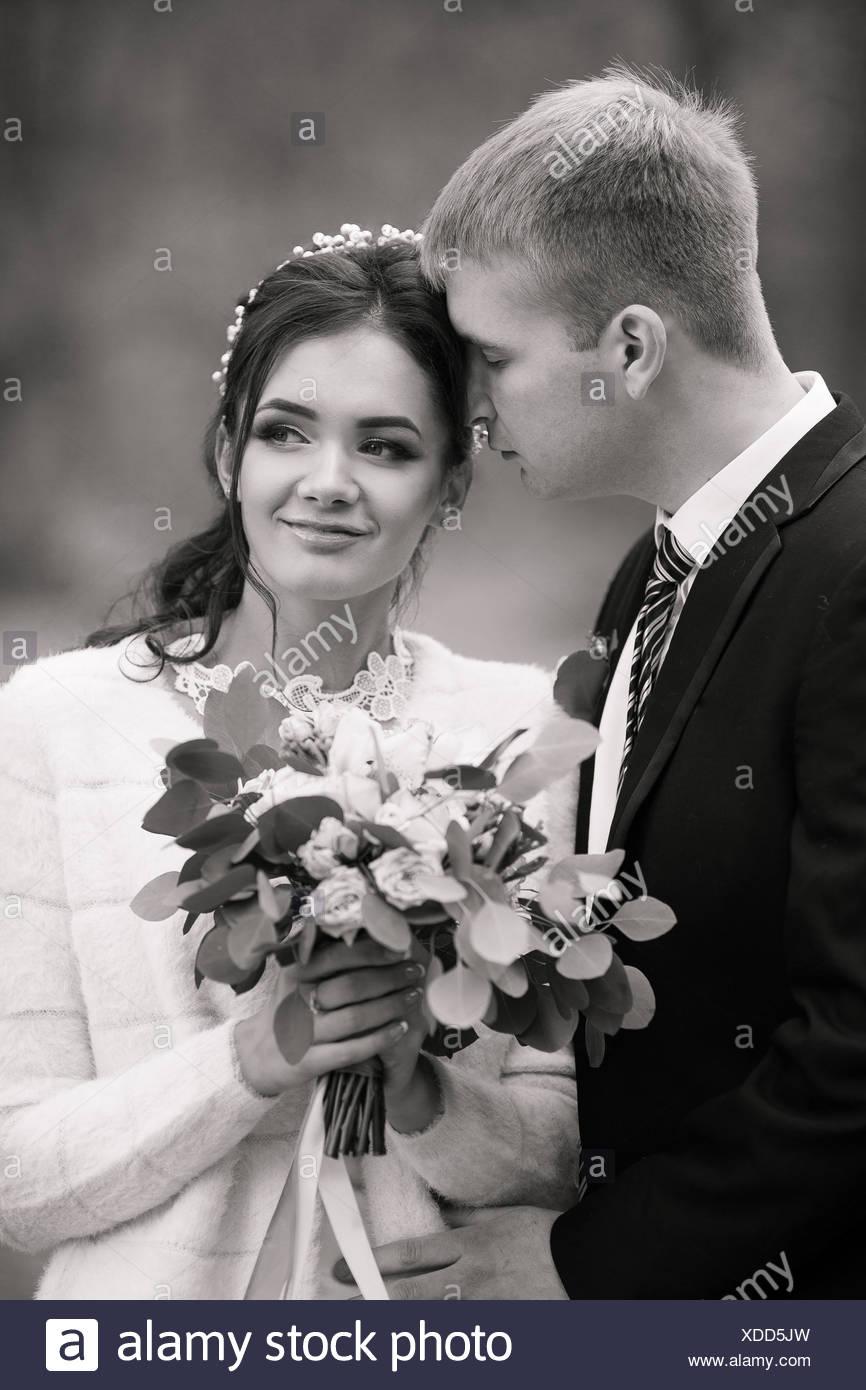 Ziemlich Mädchen Prom Anzüge Bilder - Brautkleider Ideen - cashingy.info