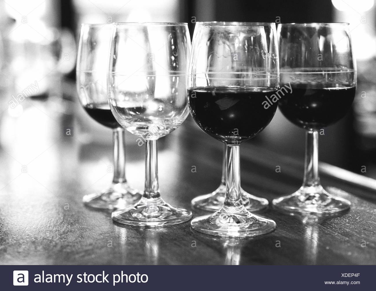 Empty Glasses Bar Counter Stockfotos & Empty Glasses Bar Counter ...