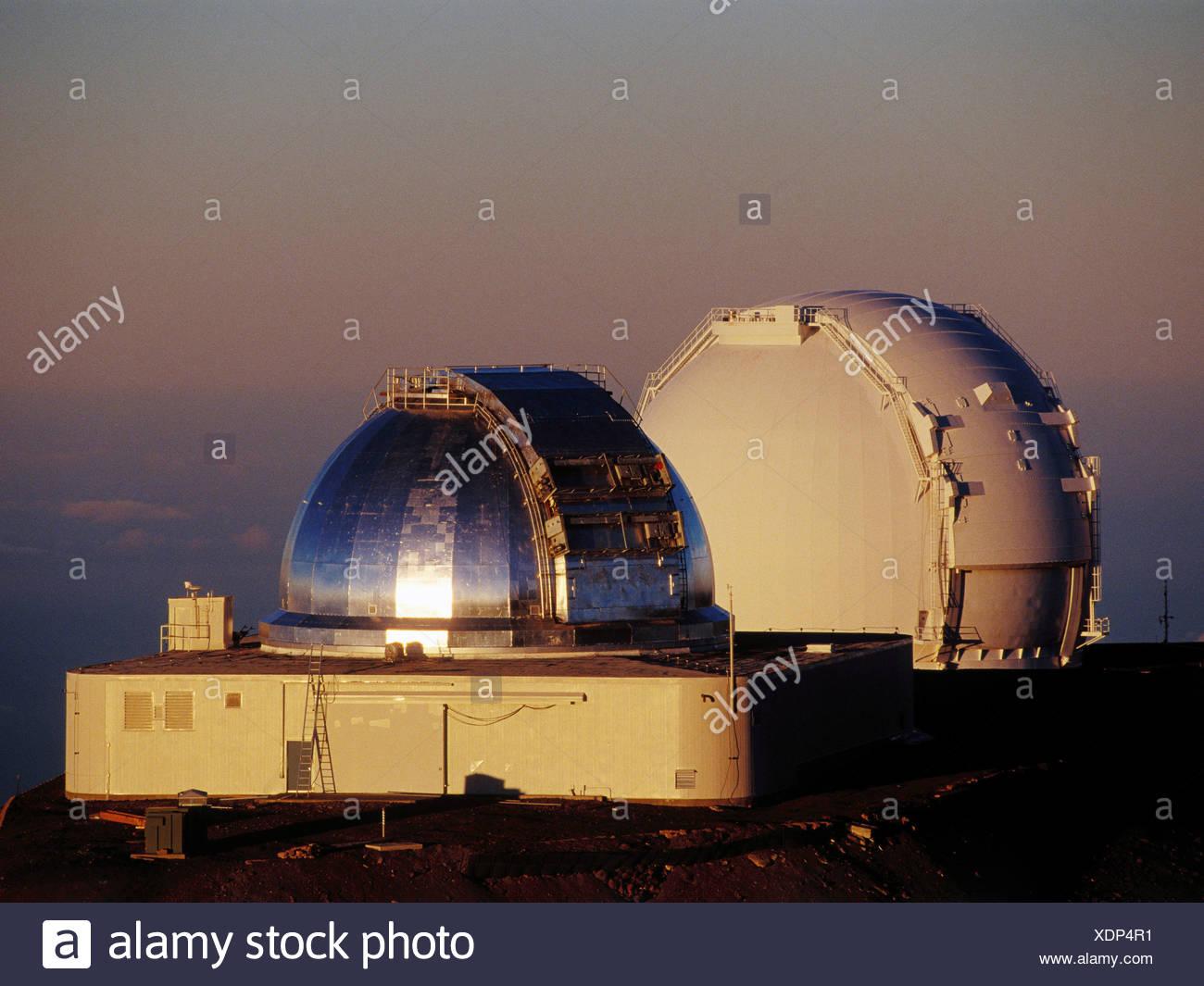 Die nasa infrarot teleskop anlage und einer der die keck teleskope