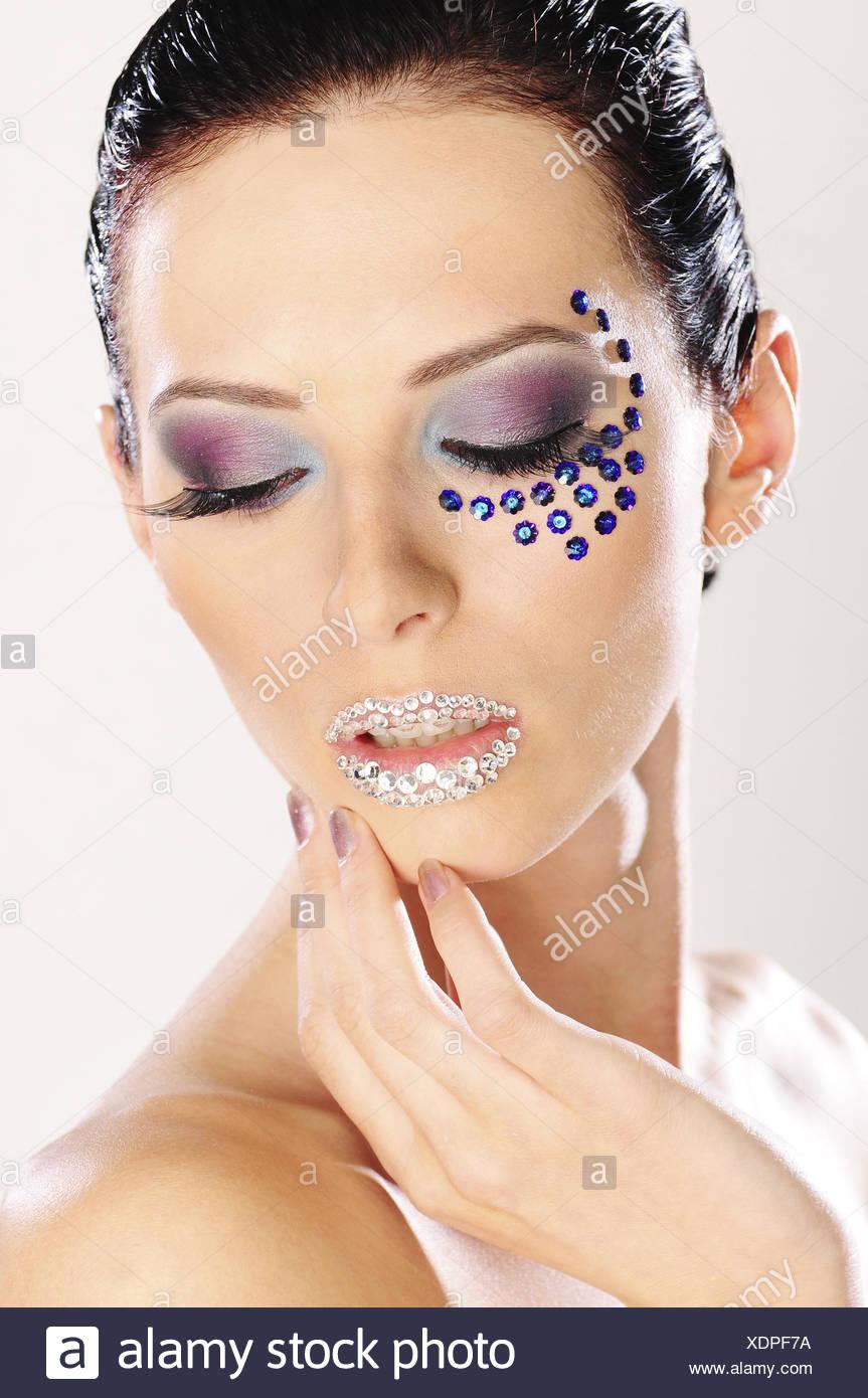 Frau, junge, dunkelhaarige, Make-up, Glitter, Geste, Porträt, Stockbild