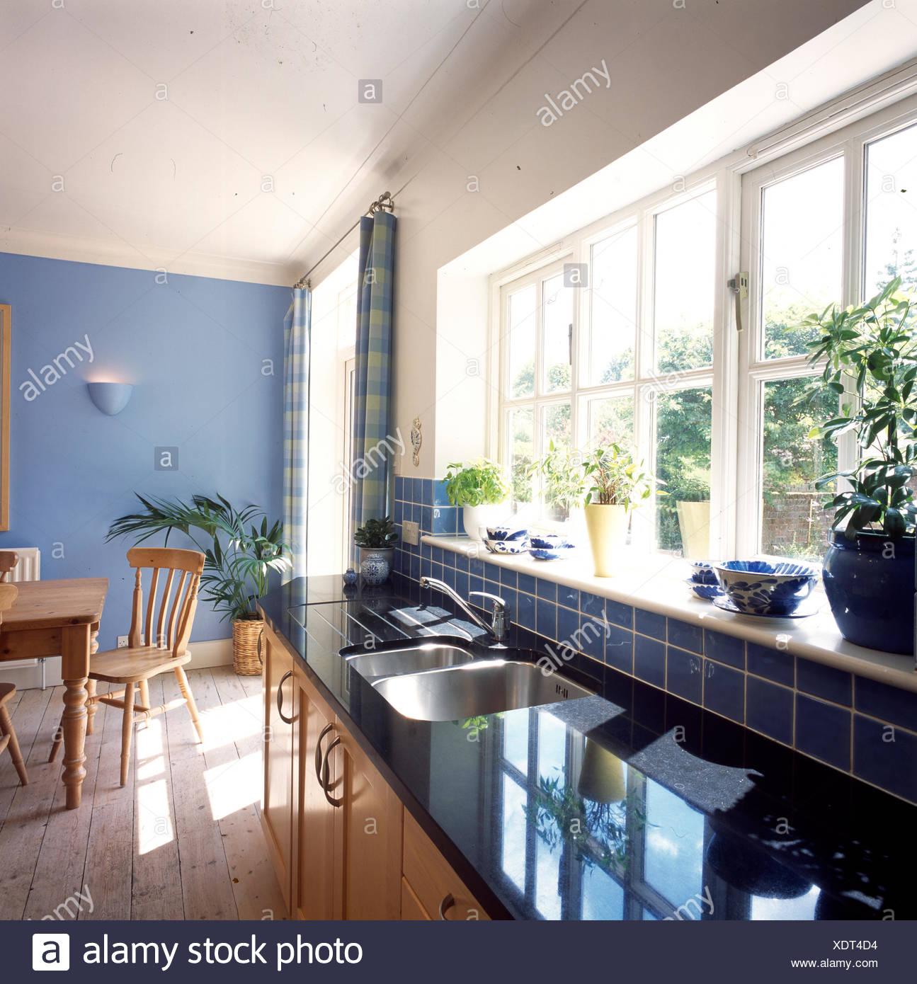 Schwarzer Marmor Arbeitsplatte In Pantry Kuche Stockfoto Bild