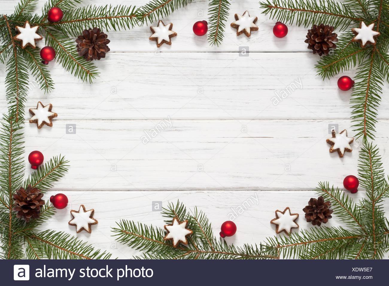 weihnachtlicher rahmen aus tannenzweigen und zimtsternen stockfoto bild 283909535 alamy. Black Bedroom Furniture Sets. Home Design Ideas