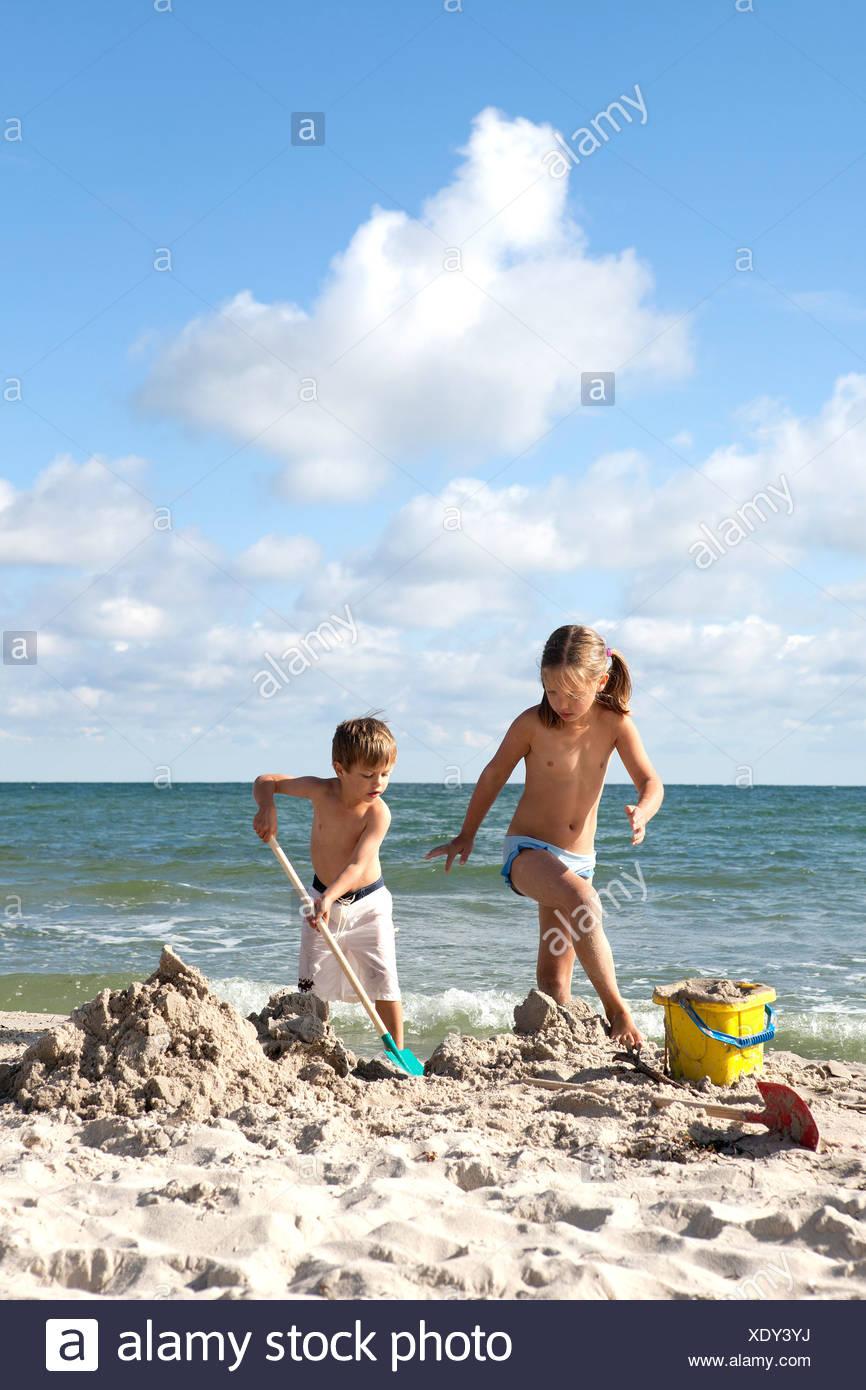 Bruder-Schritt-Schwester-Strand