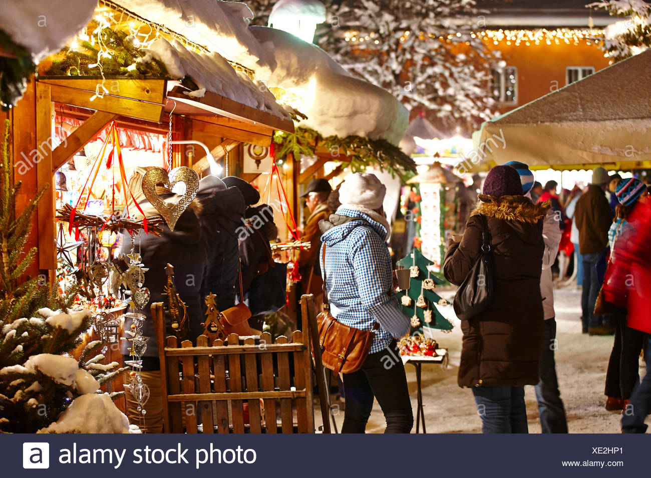 Garmisch Partenkirchen Weihnachtsmarkt 2019.Christmas Fair Garmisch Partenkirchen By Night Stockfotos