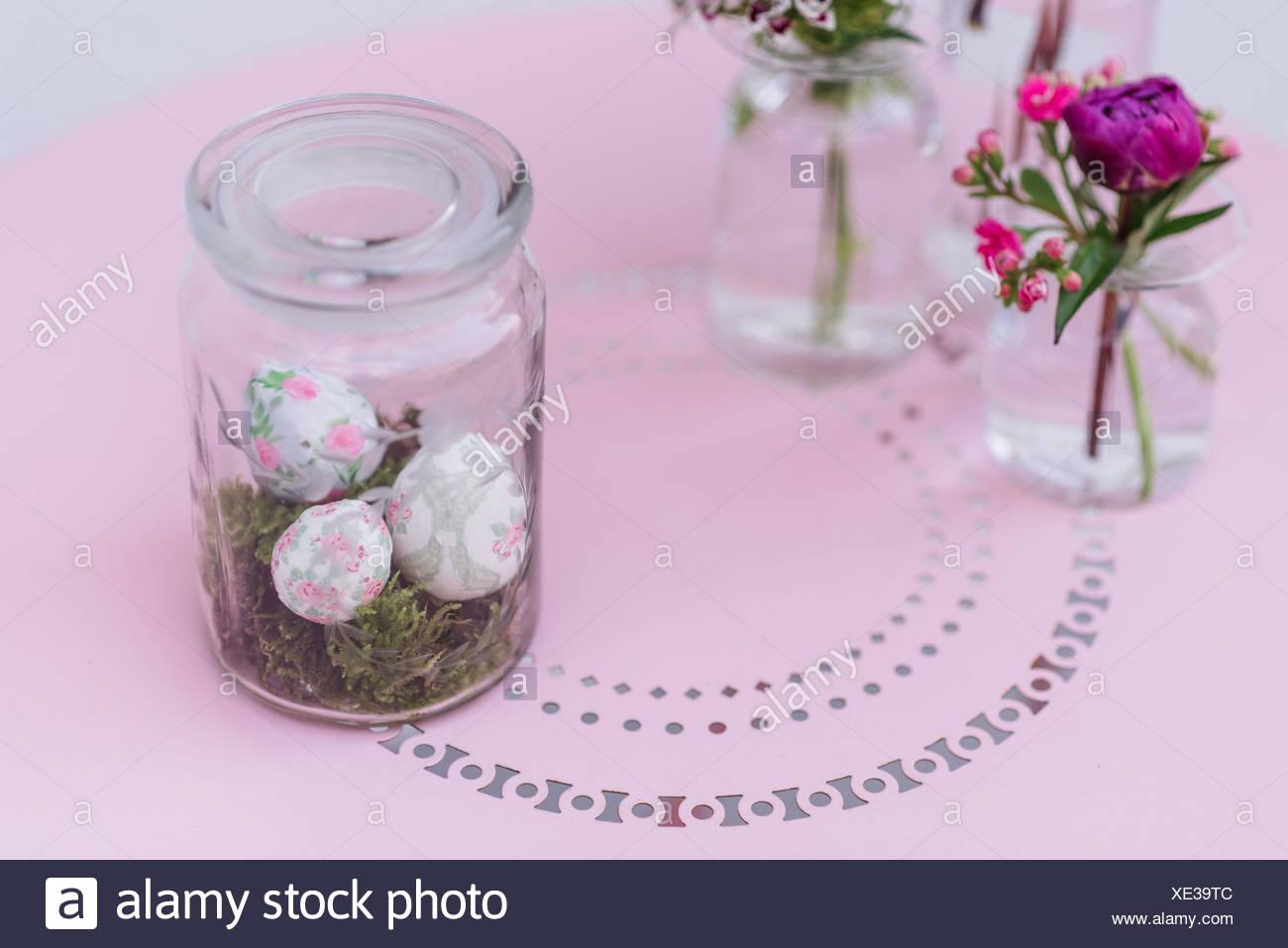 Ostern Dekoration Glas Eier Blumen Stockfoto Bild 284044668 Alamy