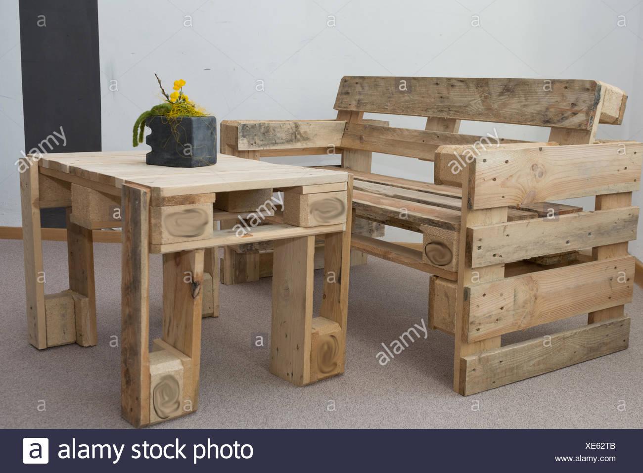upcycling möbel aus paletten stockfoto, bild: 284105035 - alamy