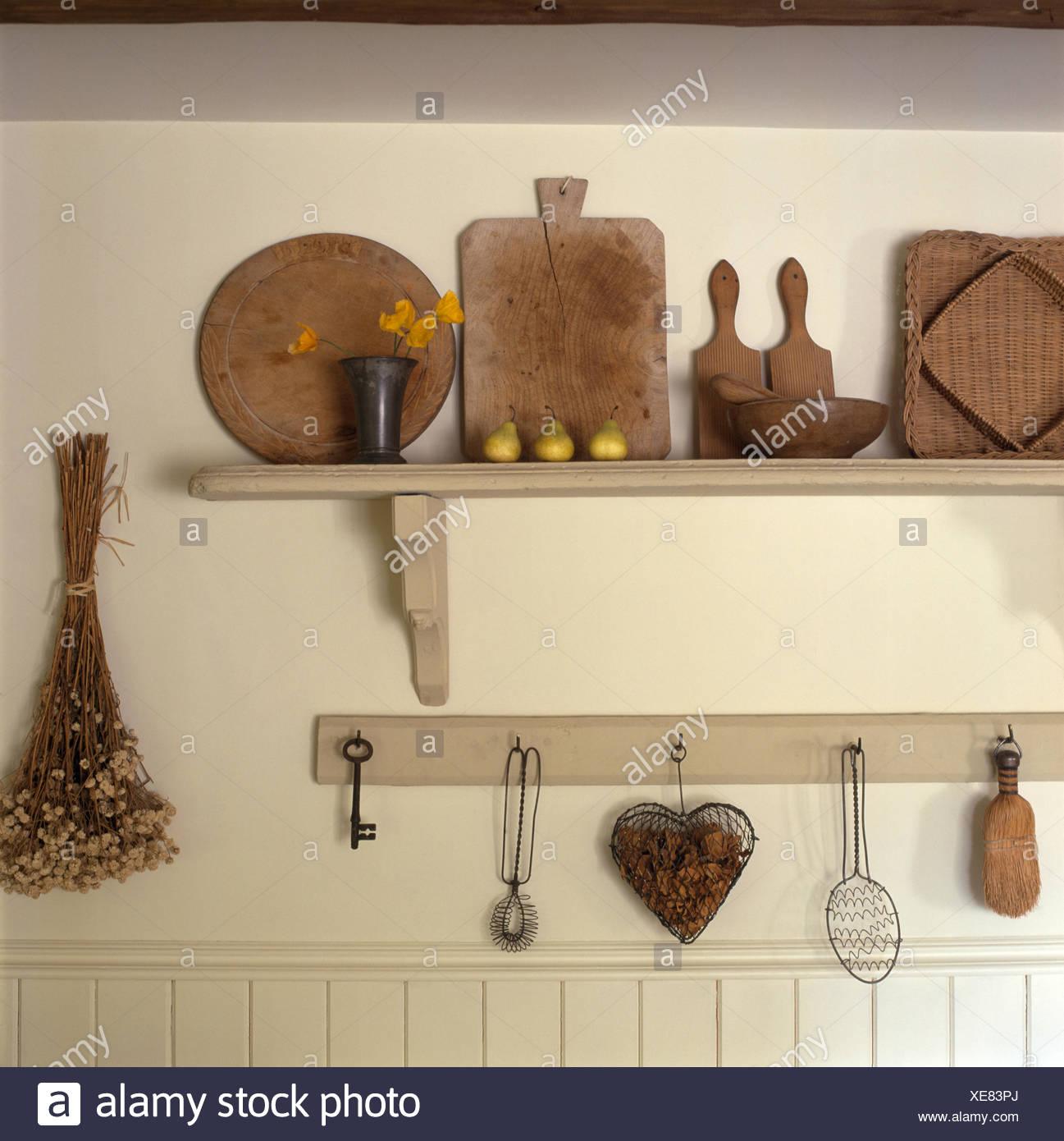 Nett Einfachen Stil Küchenschränke Galerie - Ideen Für Die Küche ...