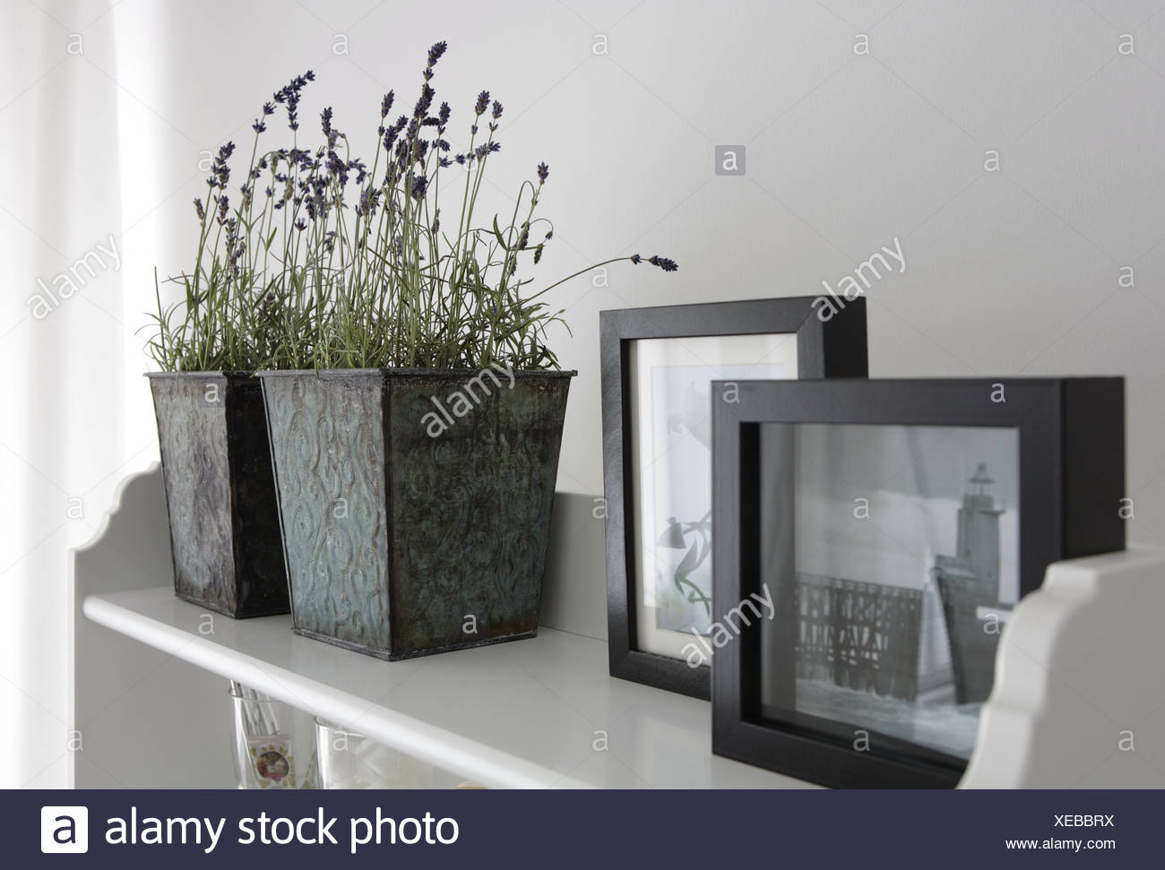 Picture Frames Shelf Stockfotos & Picture Frames Shelf Bilder - Alamy